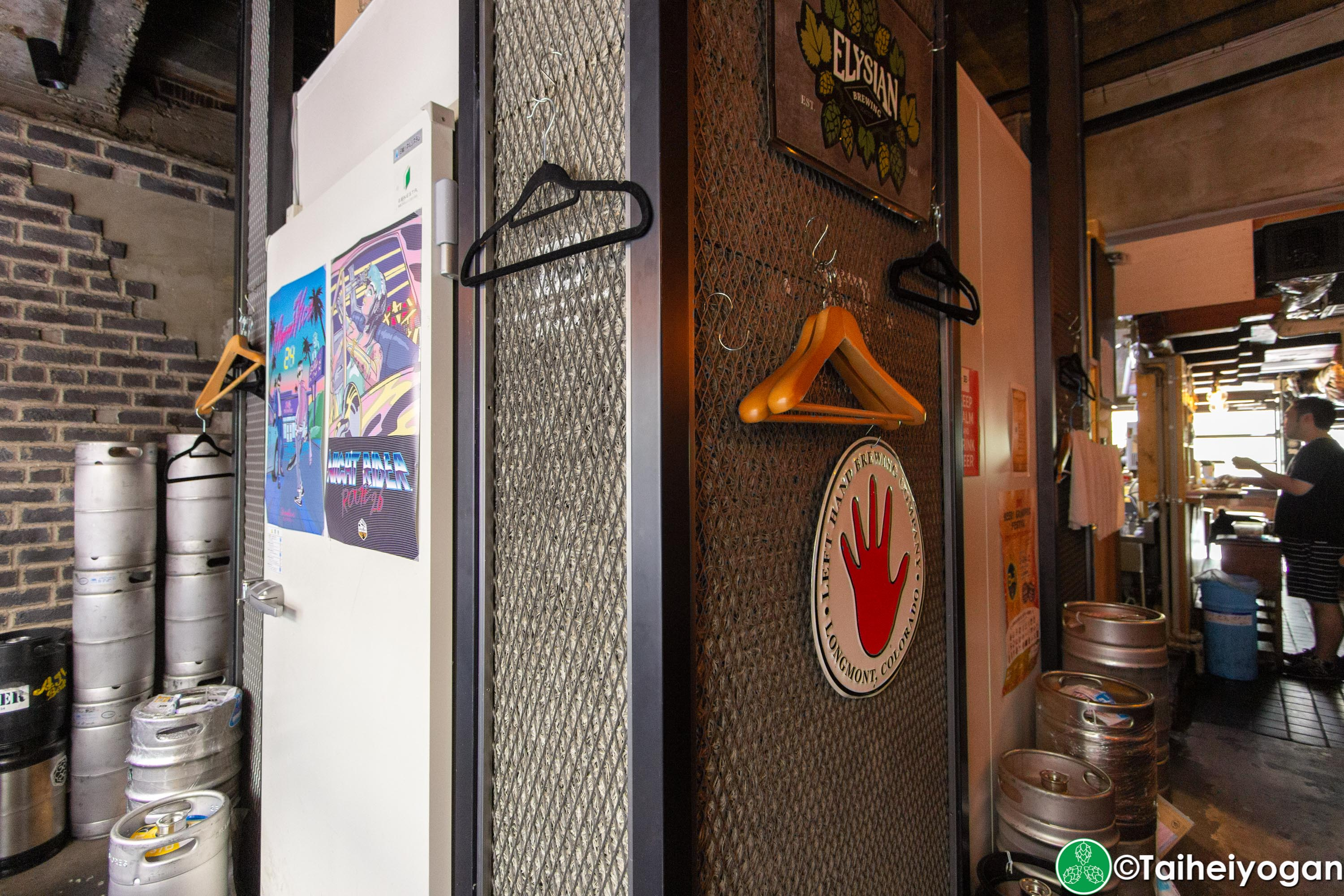 Craft Beer Bar Ibrew (Ginza/銀座) - Interior - Decorations