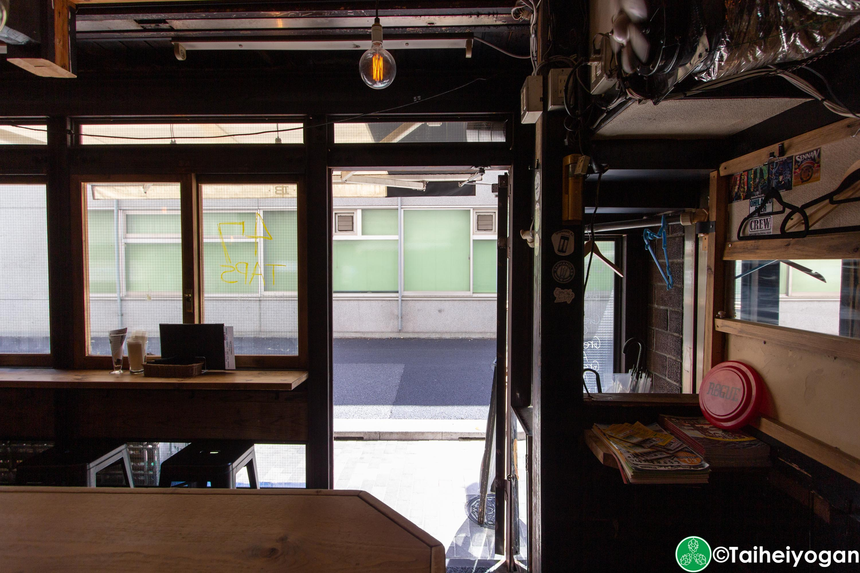 Craft Beer Bar Ibrew (Ginza/銀座) - Interior - Exit