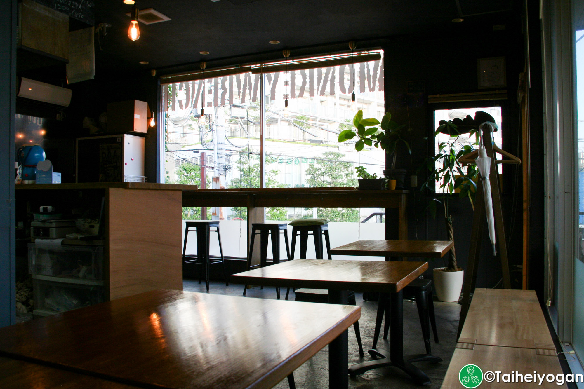 Monkey Wrench - Interior - Table Seating