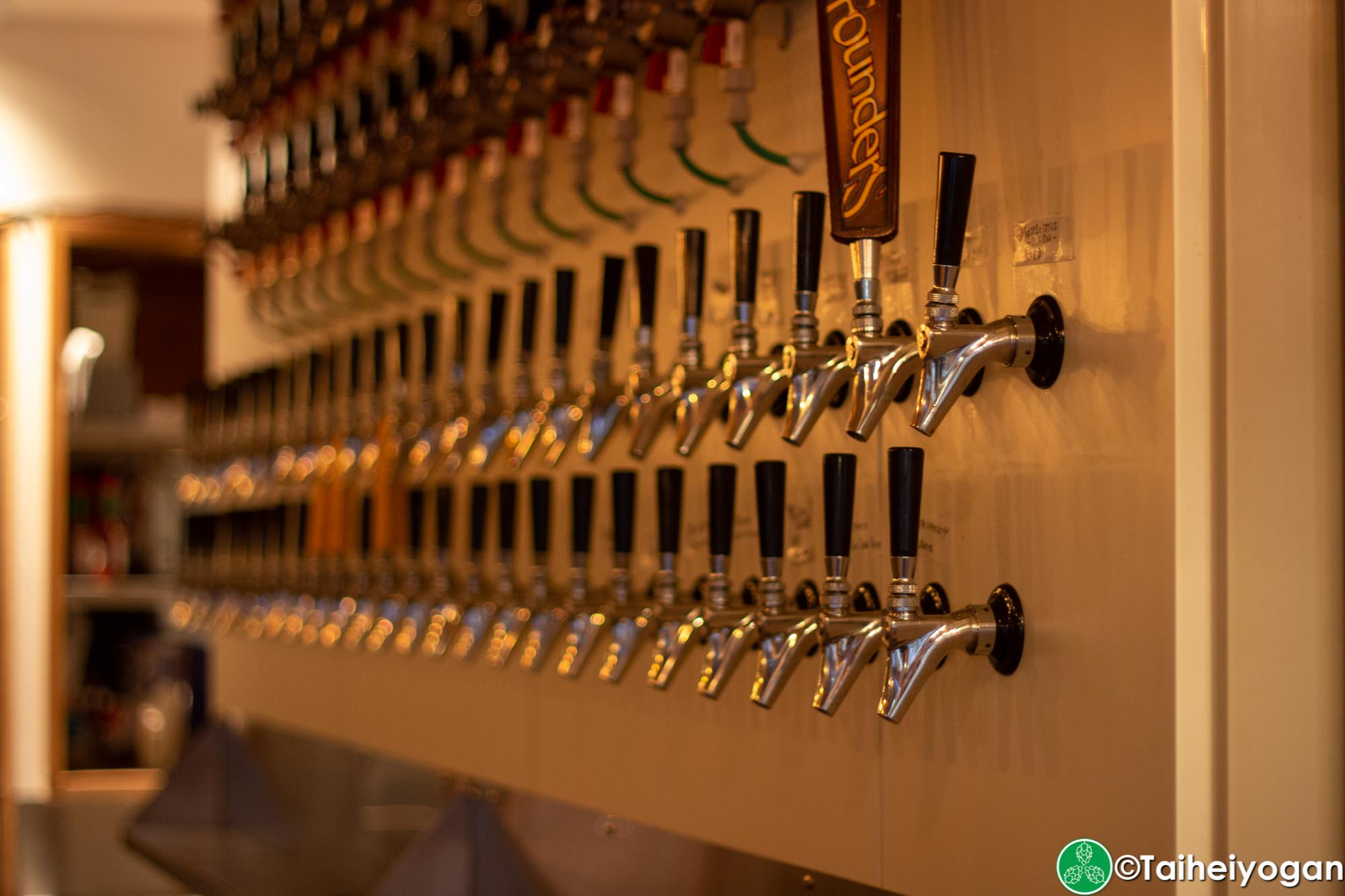 Ibrew (Akihabara-秋葉原) - Interior - Beer Taps