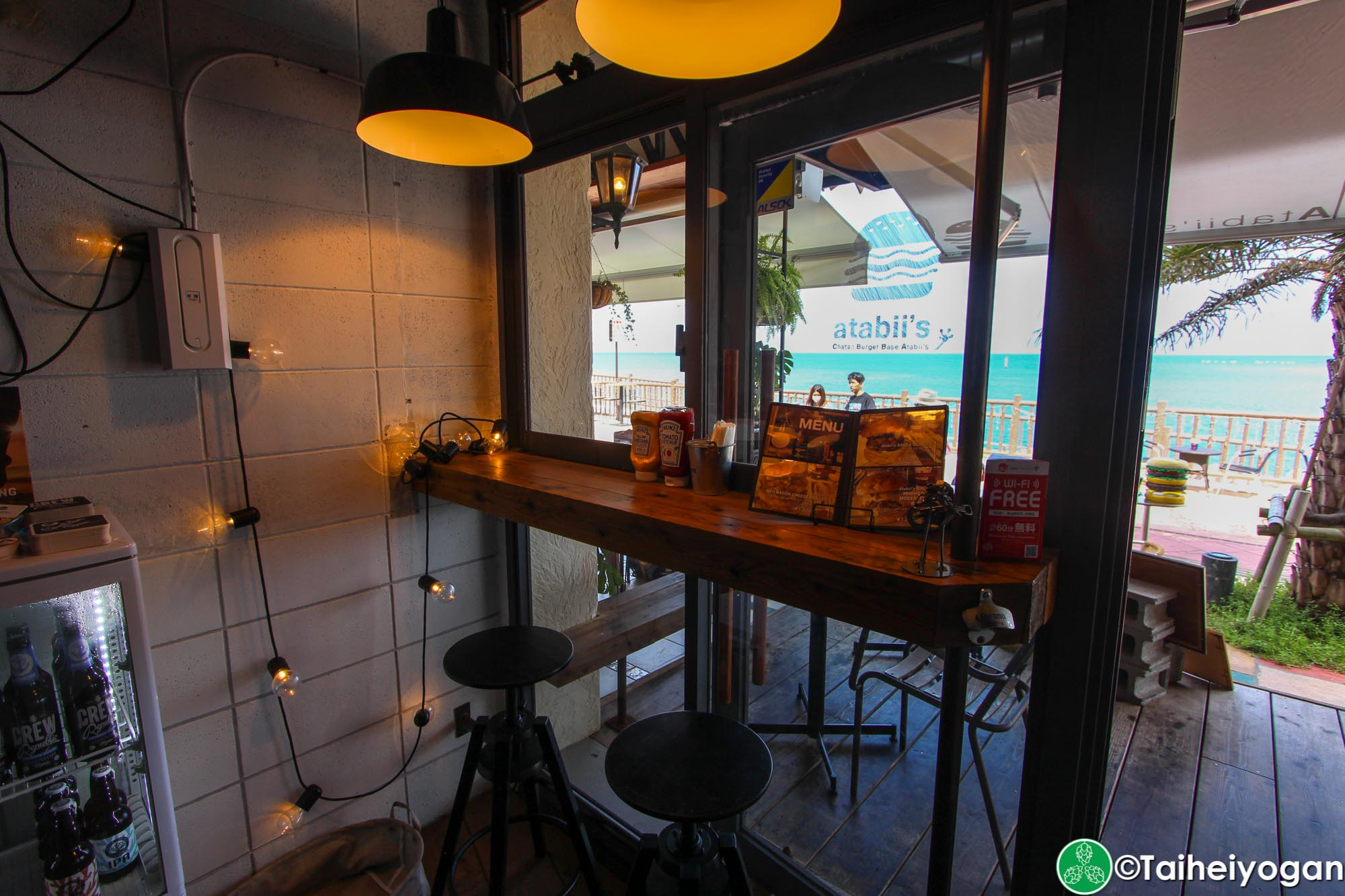 Chatan Burger Base Atabii's - Interior