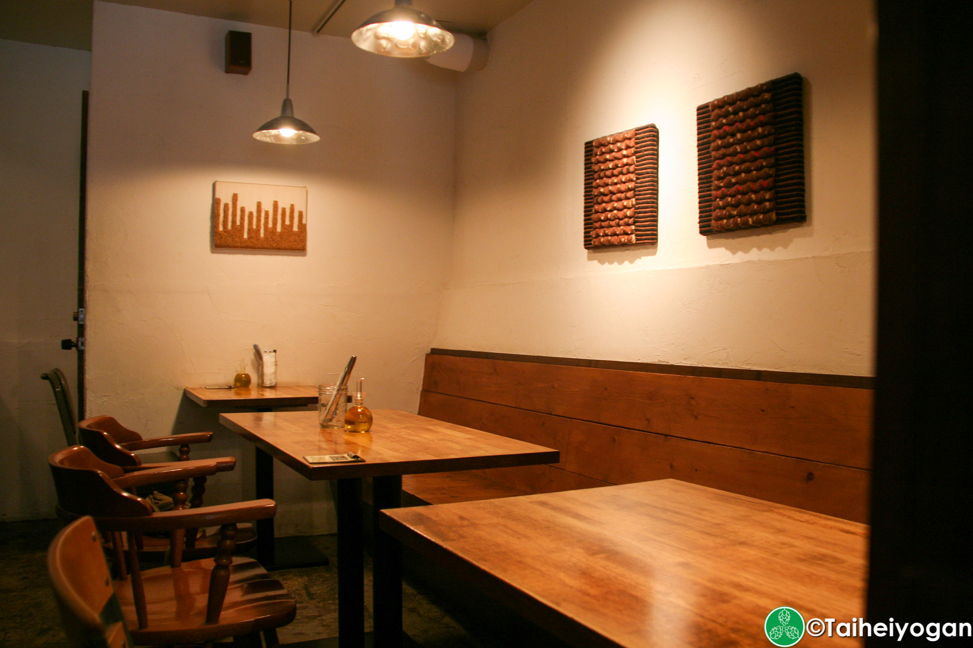 S-46 Beer Market - Interior - Tables