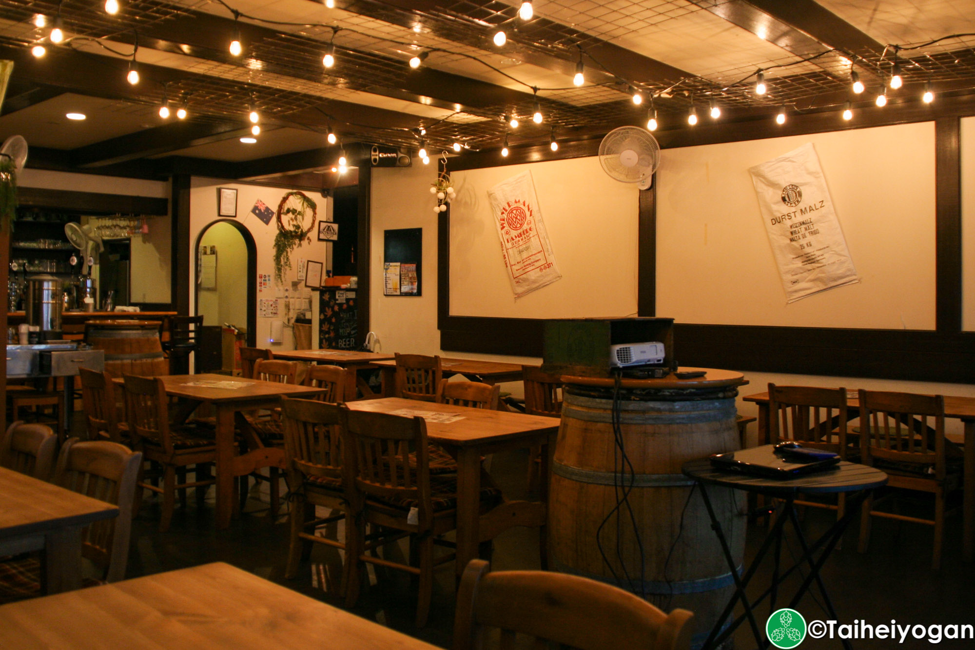 Hops & Herbs - Interior - Table Seating