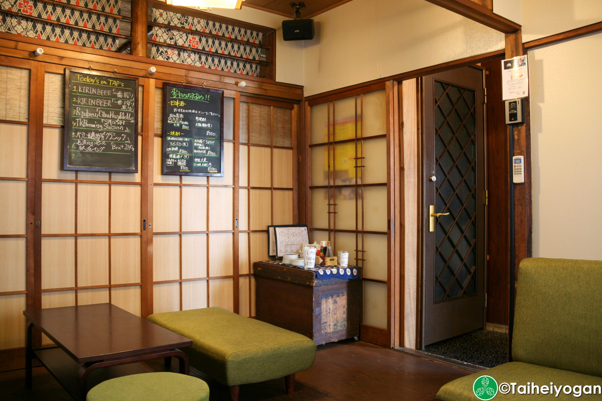KINGPELICAN BEER STAND 麥ヤ・KINGPELICAN BEER STAND Mugiya - Interior - 2F Table Seating