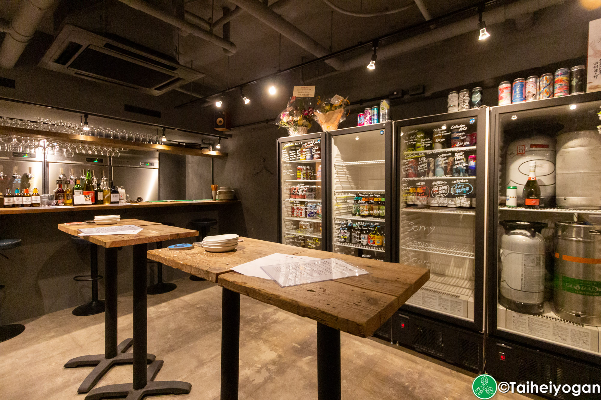 クラフトビールシザーズ池尻大橋・Craft Beer Scissors (Ikejiri Ohashi) - Interior - Standing Area Tables