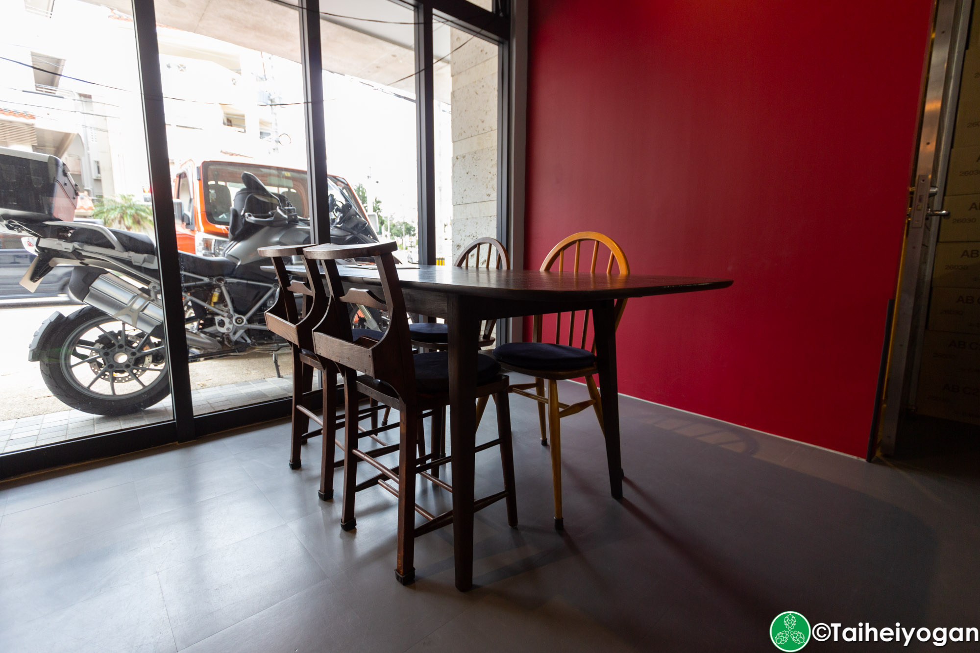 Wolfbrau Brewery & Roastery - Interior - Table Seating